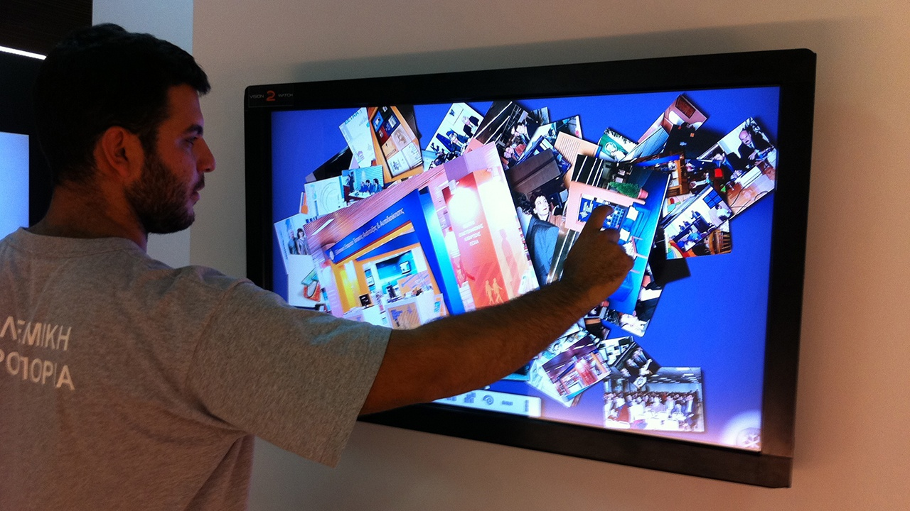 Snowflake on iDiA interactive touch screen.jpg