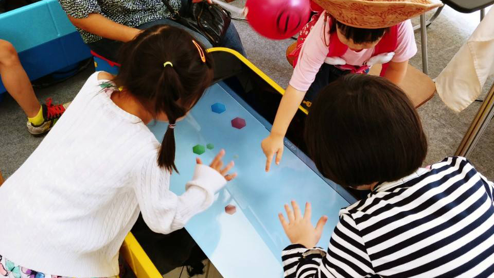 Snowflake Entertainment on Think Touch table