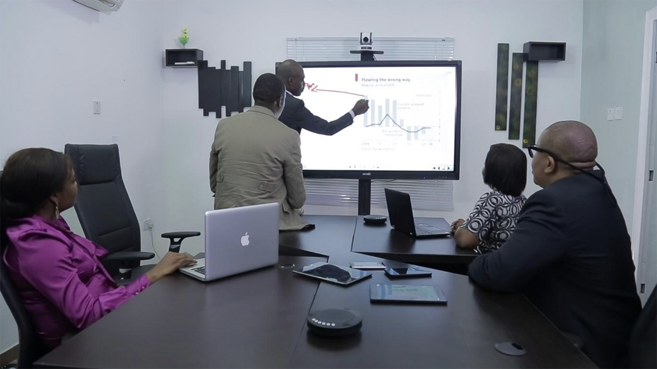 WOWBii touchscreen solution in the meeting room